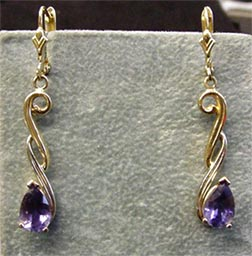 Karen's earrings.jpg (27232 bytes)